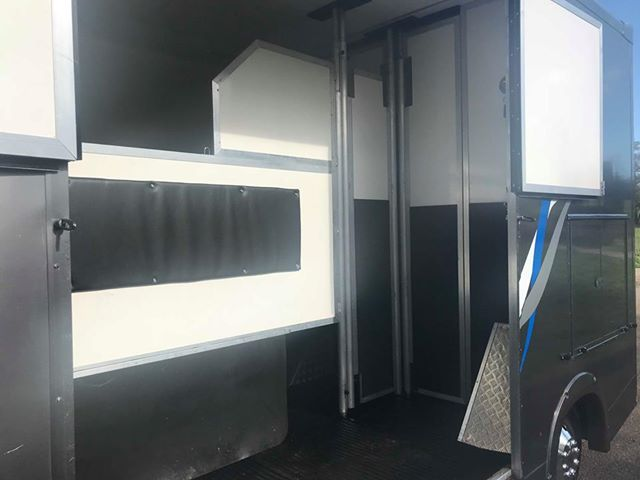 Courchevel Horseboxes - Longstall Stallion Box